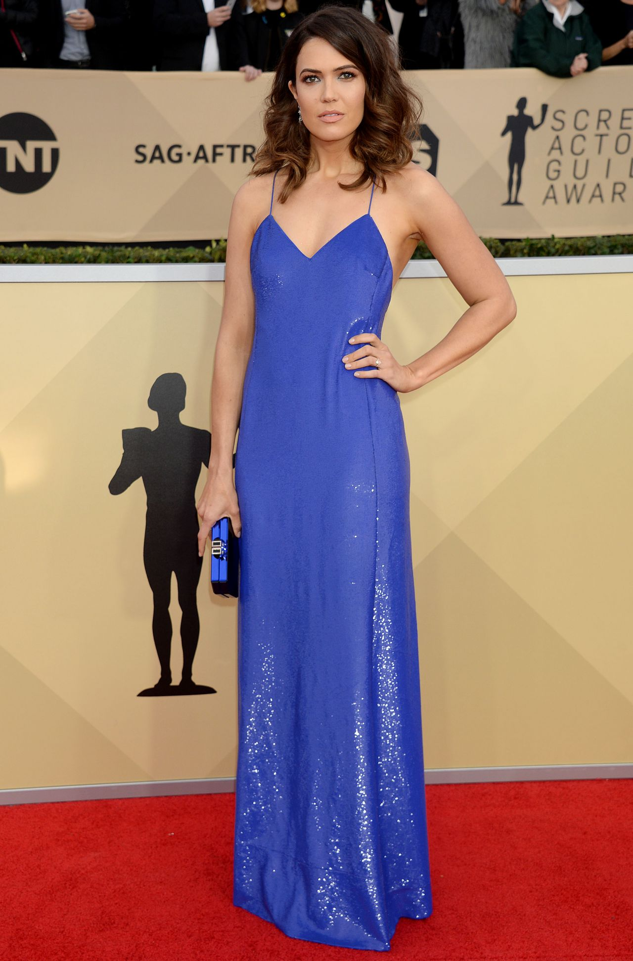 http://celebmafia.com/wp-content/uploads/2018/01/mandy-moore-2018-sag-awards-in-la-6.jpg