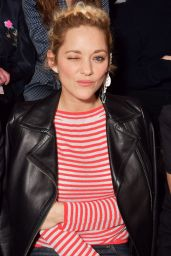 Marion Cotillard – Giorgio Armani Prive Show Spring Summer 2018 in Paris