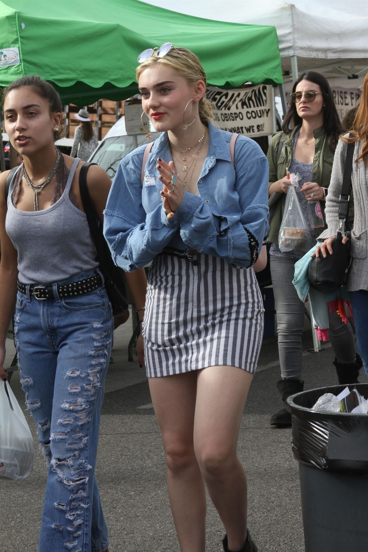 Meg Donnelly Go Shopping At The Farmers Market In Studio City