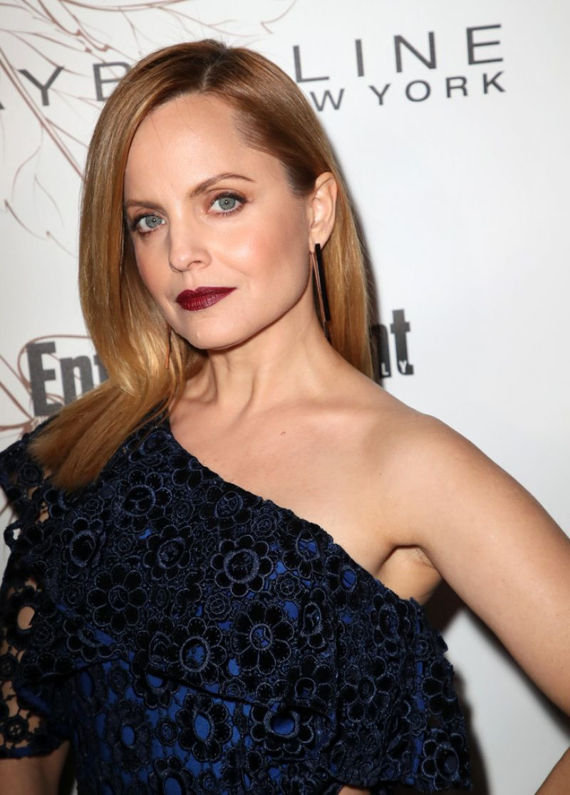 http://celebmafia.com/wp-content/uploads/2018/01/mena-suvari-pre-sag-awards-2018-party-in-los-angeles-2.jpg