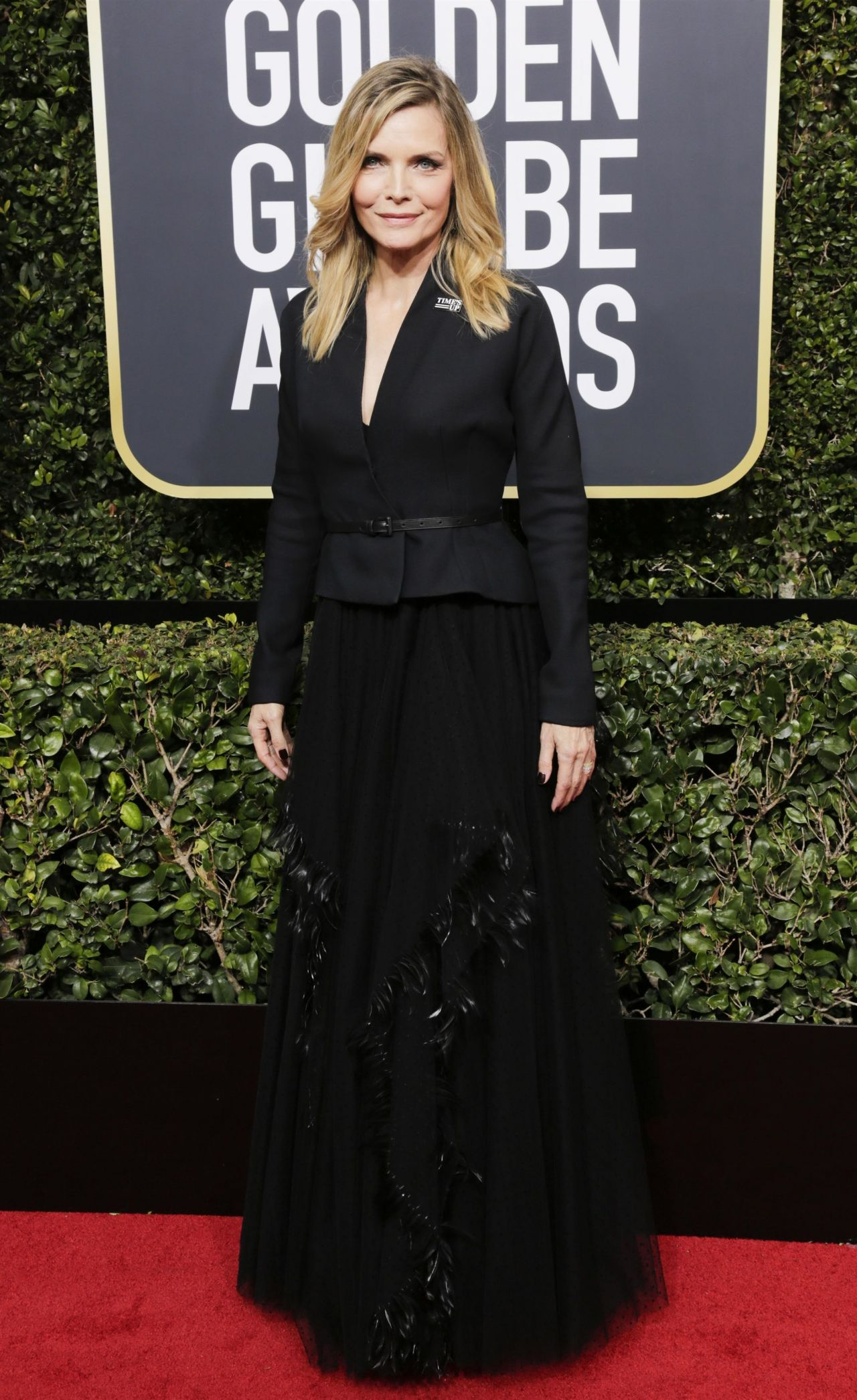 http://celebmafia.com/wp-content/uploads/2018/01/michelle-pfeiffer-golden-globe-awards-2018-5.jpg