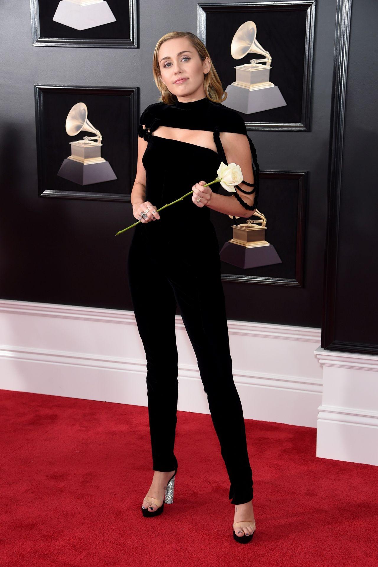 Miley Cyrus Leaked (29 Photos) - Celebrity Nude Photos