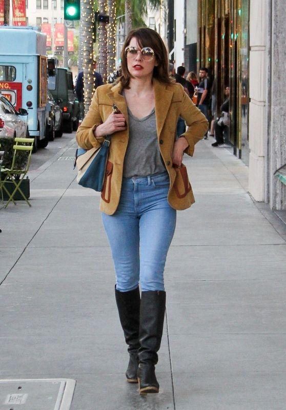 Milla Jovovich Shopping on Rodeo Dr. in Beverly Hills