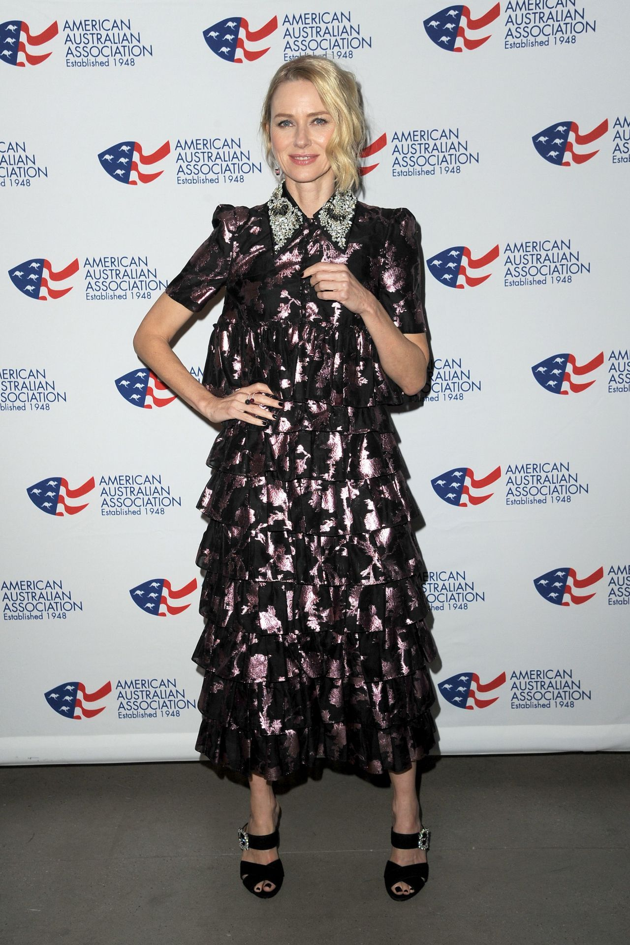 http://celebmafia.com/wp-content/uploads/2018/01/naomi-watts-and-laura-brown-australia-day-arts-awards-in-new-york-0.jpg