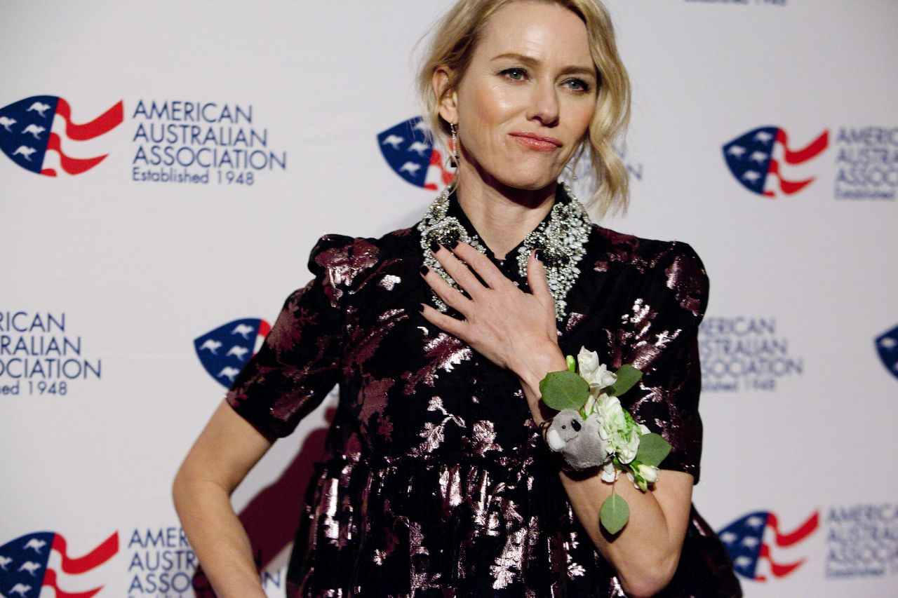 http://celebmafia.com/wp-content/uploads/2018/01/naomi-watts-and-laura-brown-australia-day-arts-awards-in-new-york-6.jpg