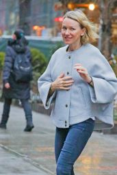 Naomi Watts - Out in a Rainy Day in New York City 01/12/2018