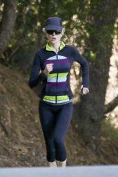 Nicole Kidman - Jog at Franklin Canyon Park in Beverly Hills