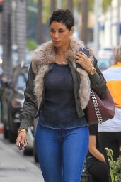 Nicole Murphy Shopping in Beverly Hills