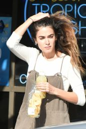 Nikki Reed Stopping for a Snack in LA