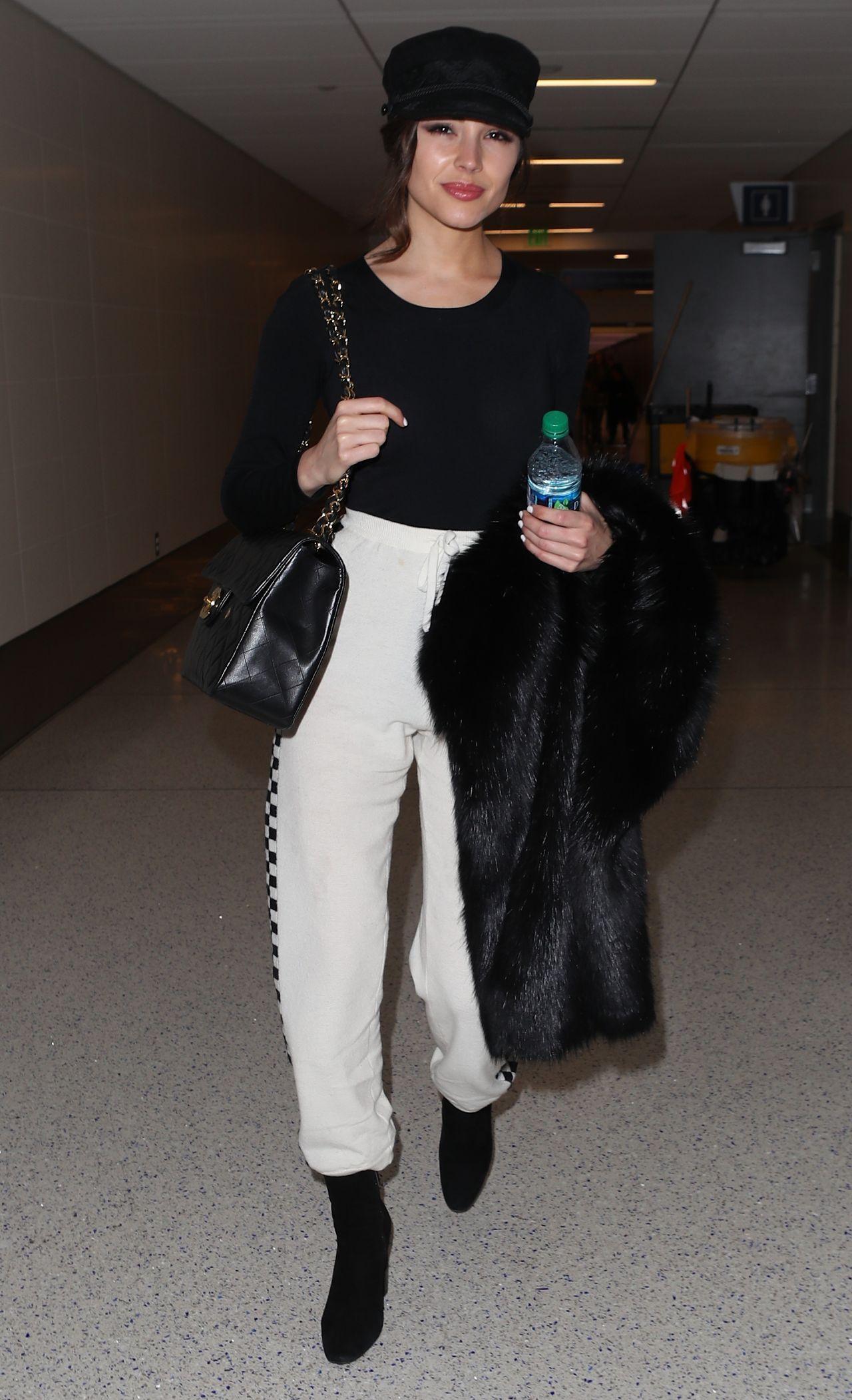 Olivia Culpo Street Fashion Lax In La 01 08 2018