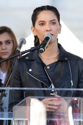 Olivia Munn – 2018 Women's March in LA