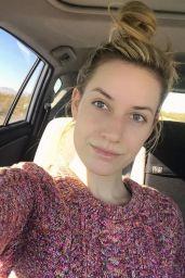 Paige Spiranac – Social Media 01/02/2018