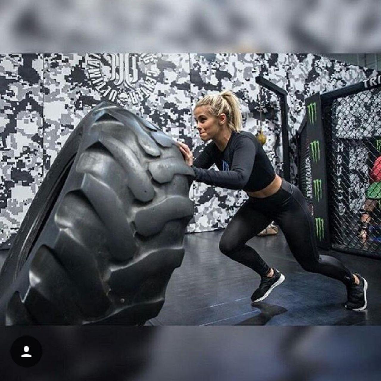 Paige VanZant – Social Media 01/26/2018