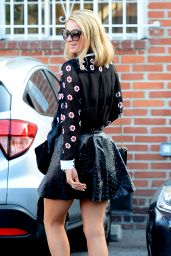 Paris Hilton is Stylish - Heads to a Beauty Salon in Beverly Hills