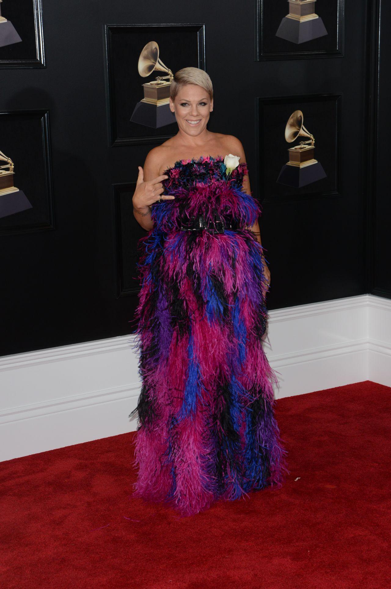 http://celebmafia.com/wp-content/uploads/2018/01/pink-2018-grammy-awards-in-new-york-3.jpg