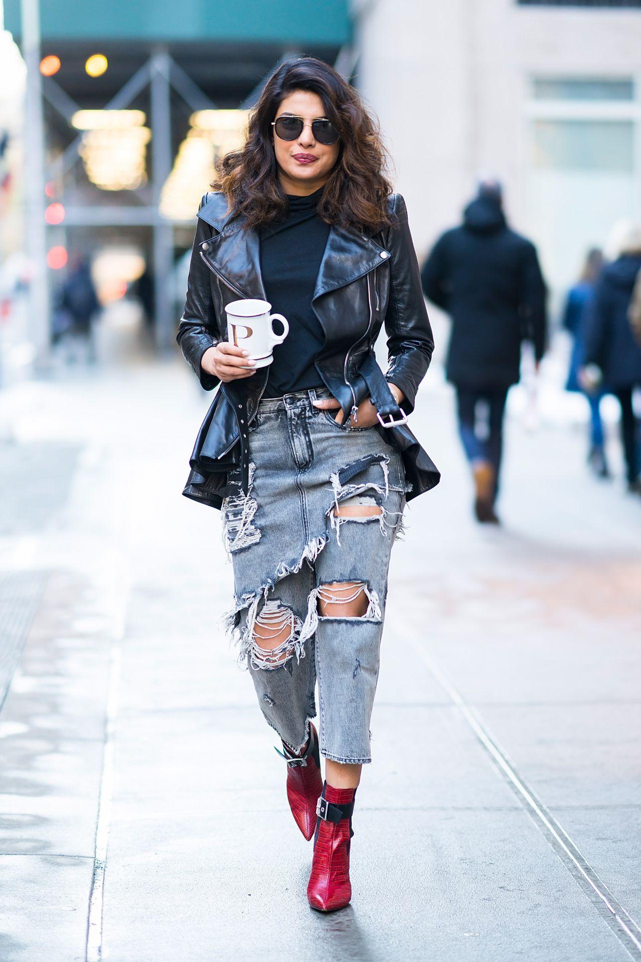 Priyanka Chopra Urban Street Style Out In Tribecca 01 09