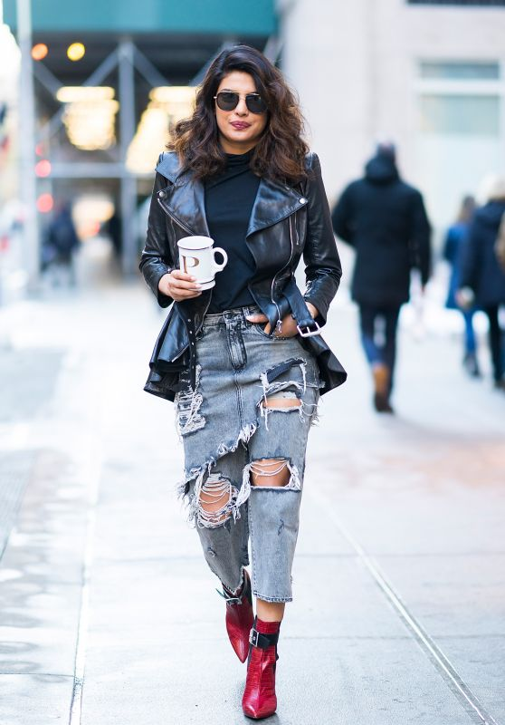 Priyanka Chopra Urban Street Style - Out in Tribecca 01/09/2018