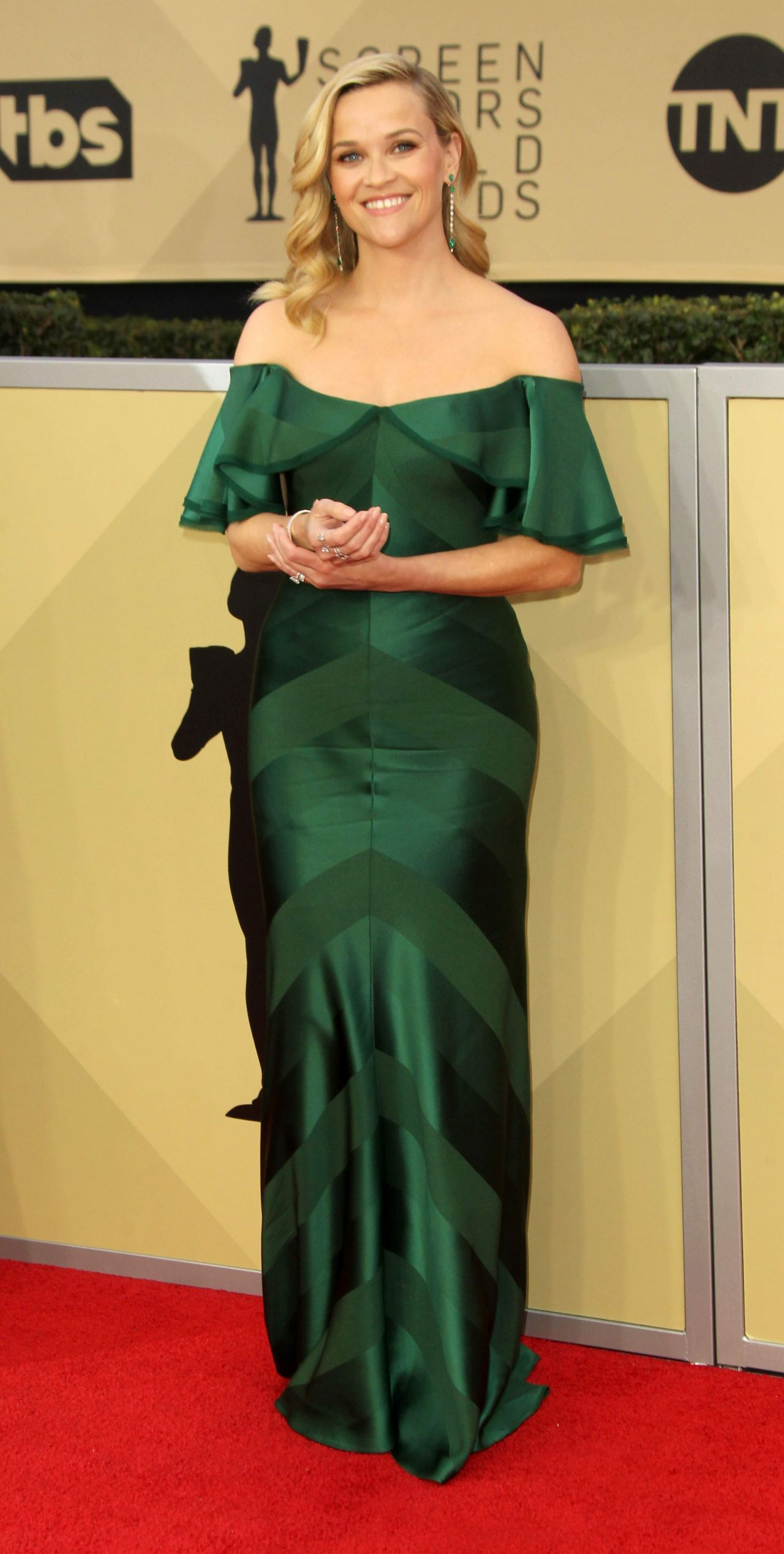 http://celebmafia.com/wp-content/uploads/2018/01/reese-witherspoon-2018-sag-awards-in-la-6.jpg