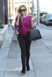 Reese Witherspoon Out on a Stroll in Los Angeles