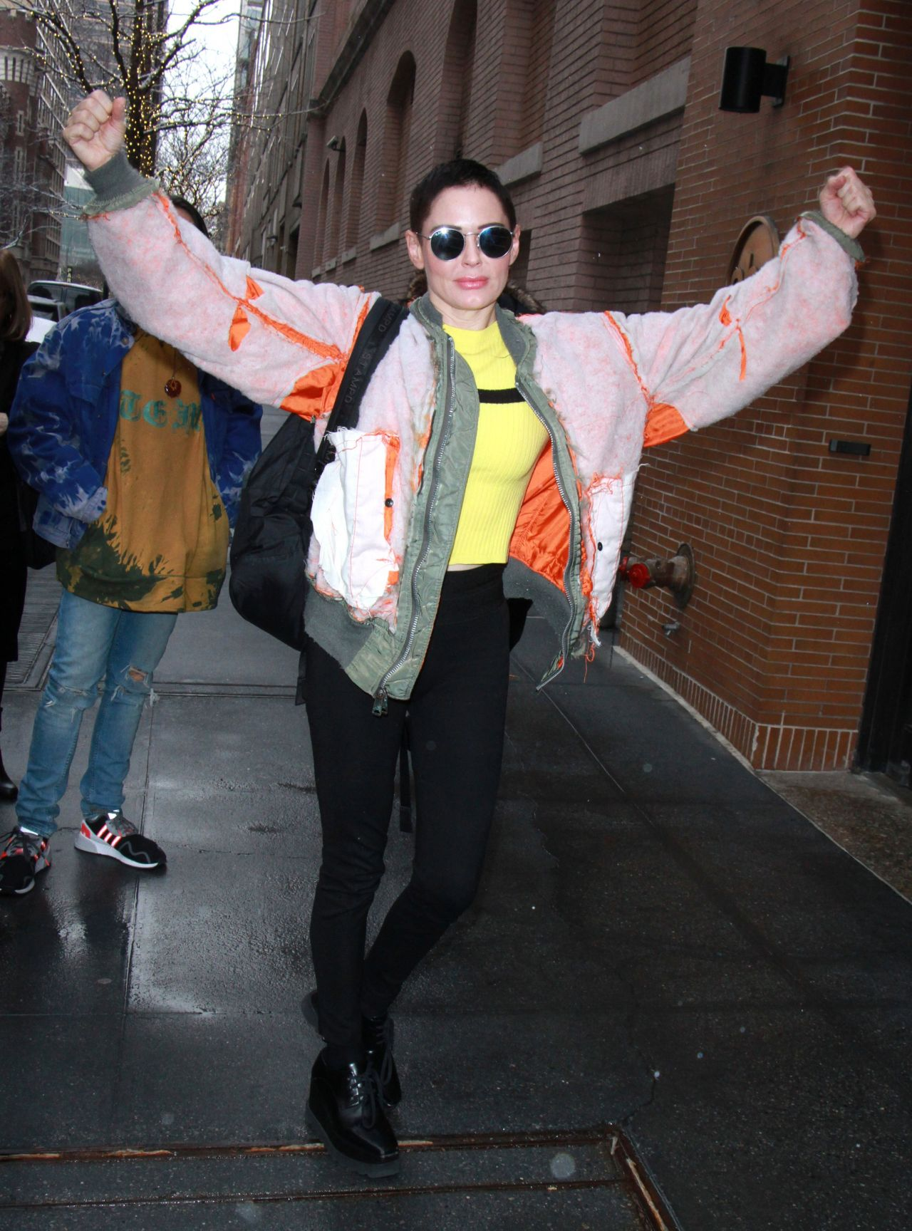 Rose Mcgowan At The View In Nyc 01 30 2018