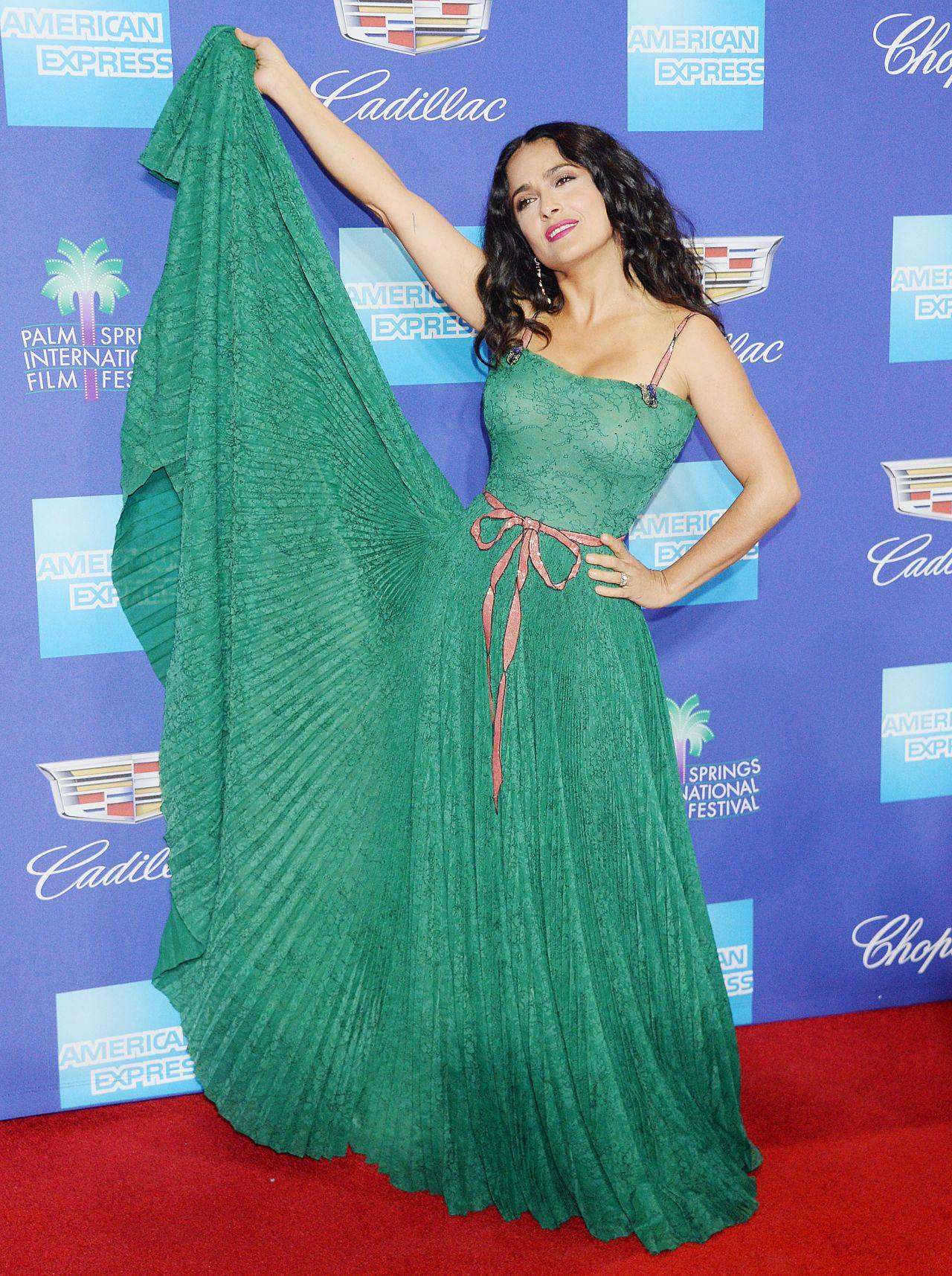 http://celebmafia.com/wp-content/uploads/2018/01/salma-hayek-palm-springs-international-film-festival-awards-13.jpg