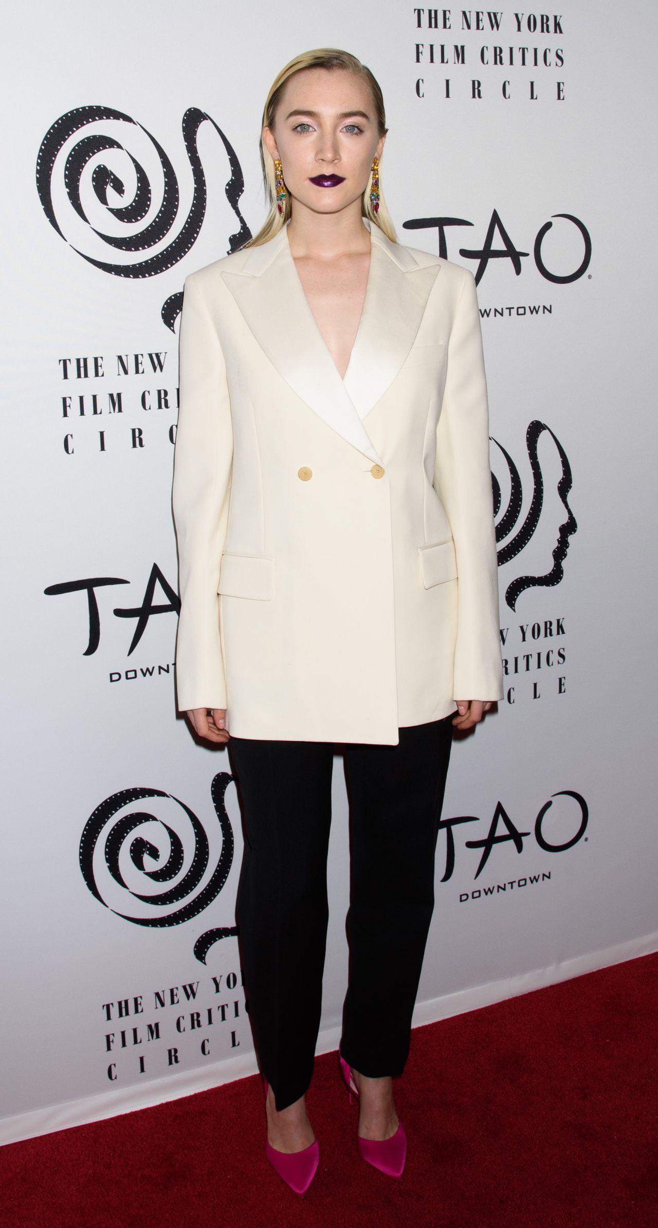 http://celebmafia.com/wp-content/uploads/2018/01/saoirse-ronan-2017-new-york-film-critics-awards-in-nyc-11.jpg