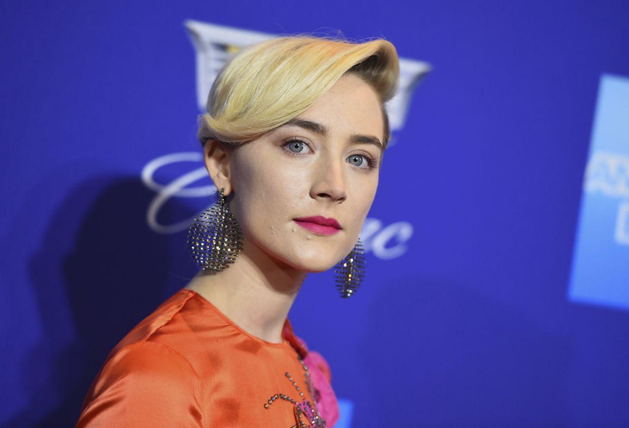http://celebmafia.com/wp-content/uploads/2018/01/saoirse-ronan-palm-springs-international-film-festival-awards-6.jpg