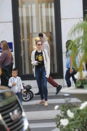 Sara Foster Shopping in Beverly Hills