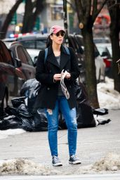 Sarah Silverman - Out on a Stroll in New York City