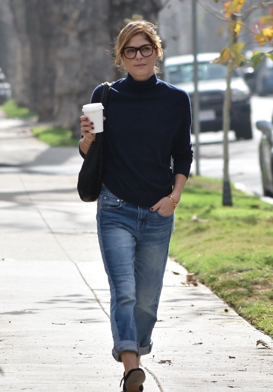Selma Blair in Casual Outfit Out on a Coffee Run in Beverly Hills