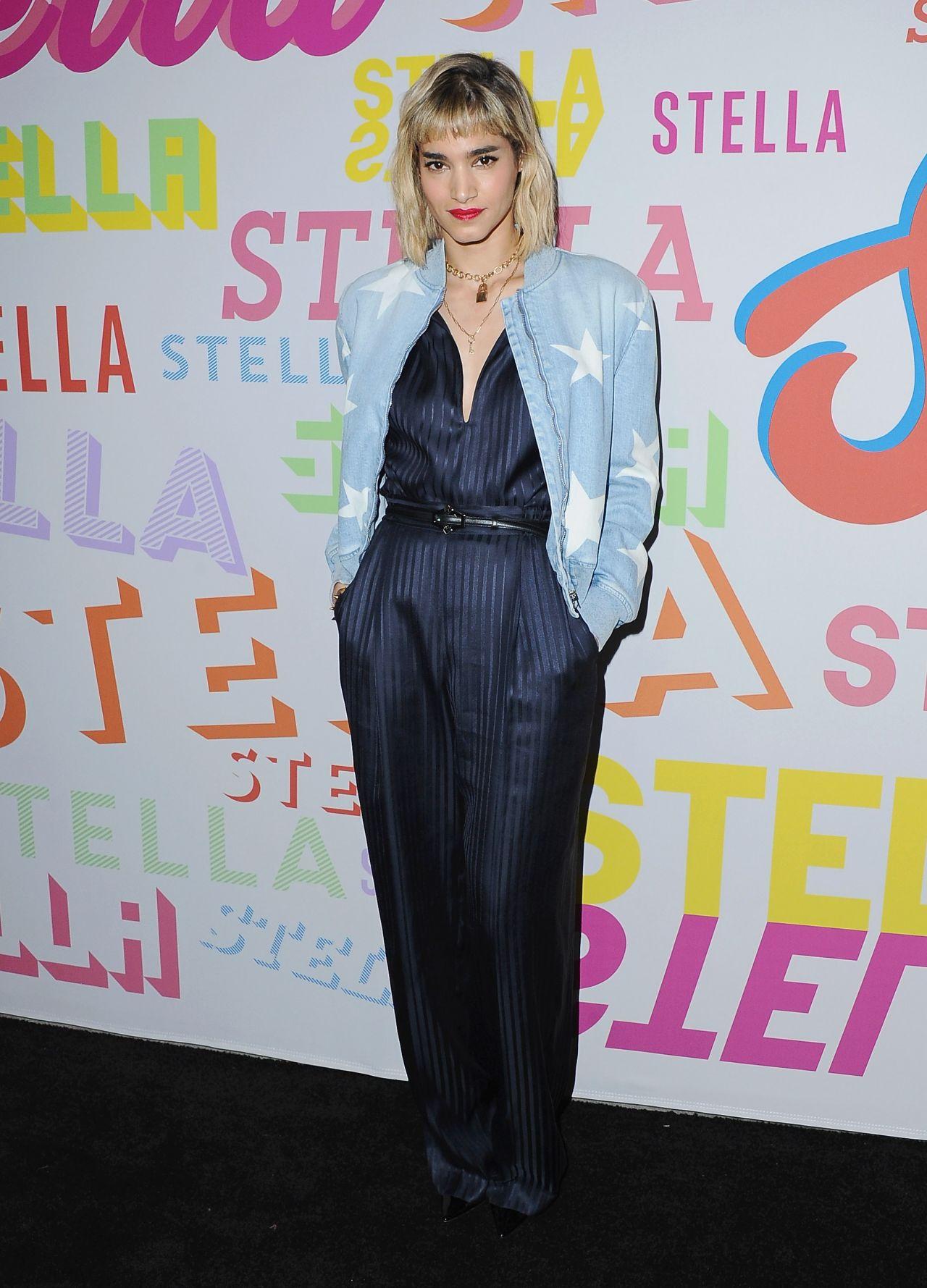 http://celebmafia.com/wp-content/uploads/2018/01/sofia-boutella-stella-mccartney-show-in-hollywood-3.jpg