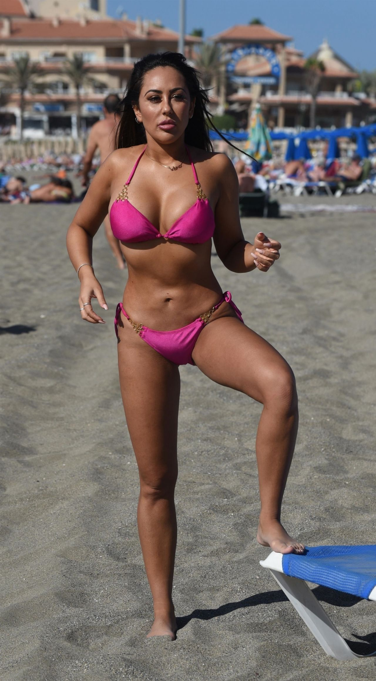 Sophie Kasaei in Pink Bikini on the beach in Lanzarote Pic 10 of 35