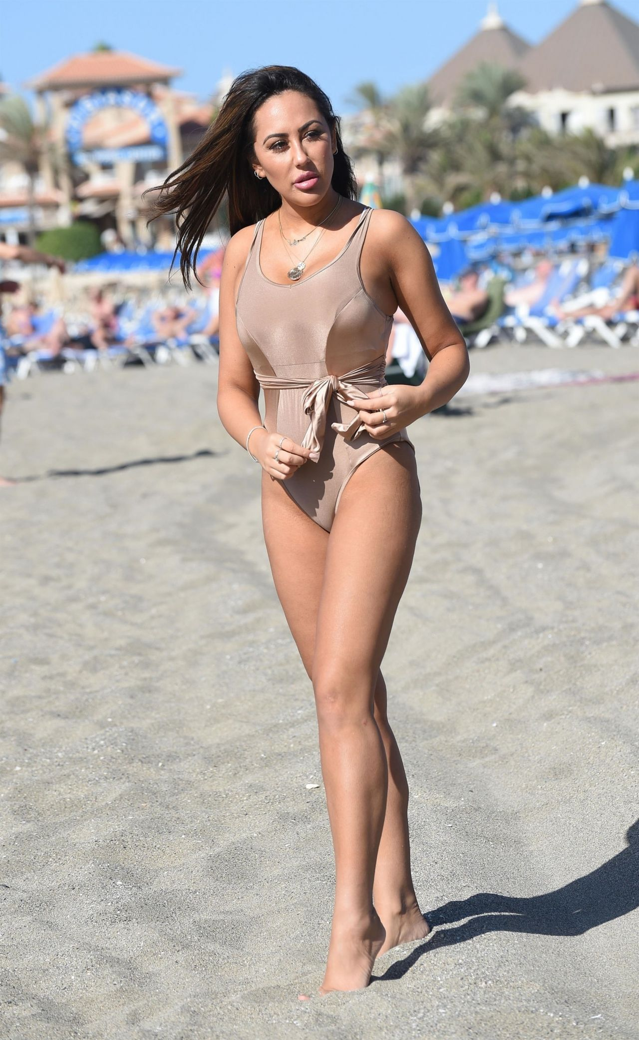Sophie Kasaei in Pink Bikini on the beach in Lanzarote Pic 20 of 35