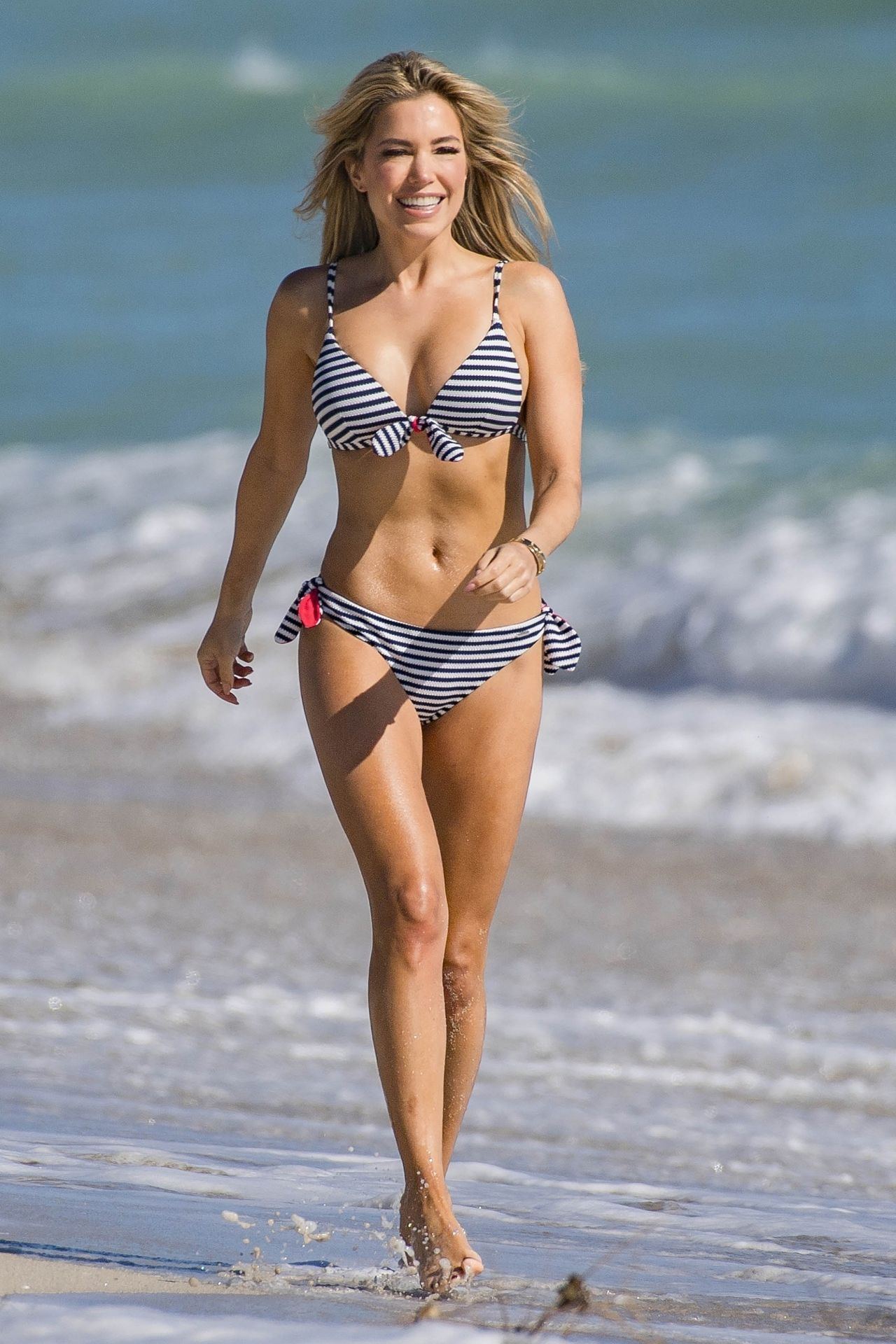Sylvie Meis in Black Bikini on the beach in Miami Pic 14 of 35