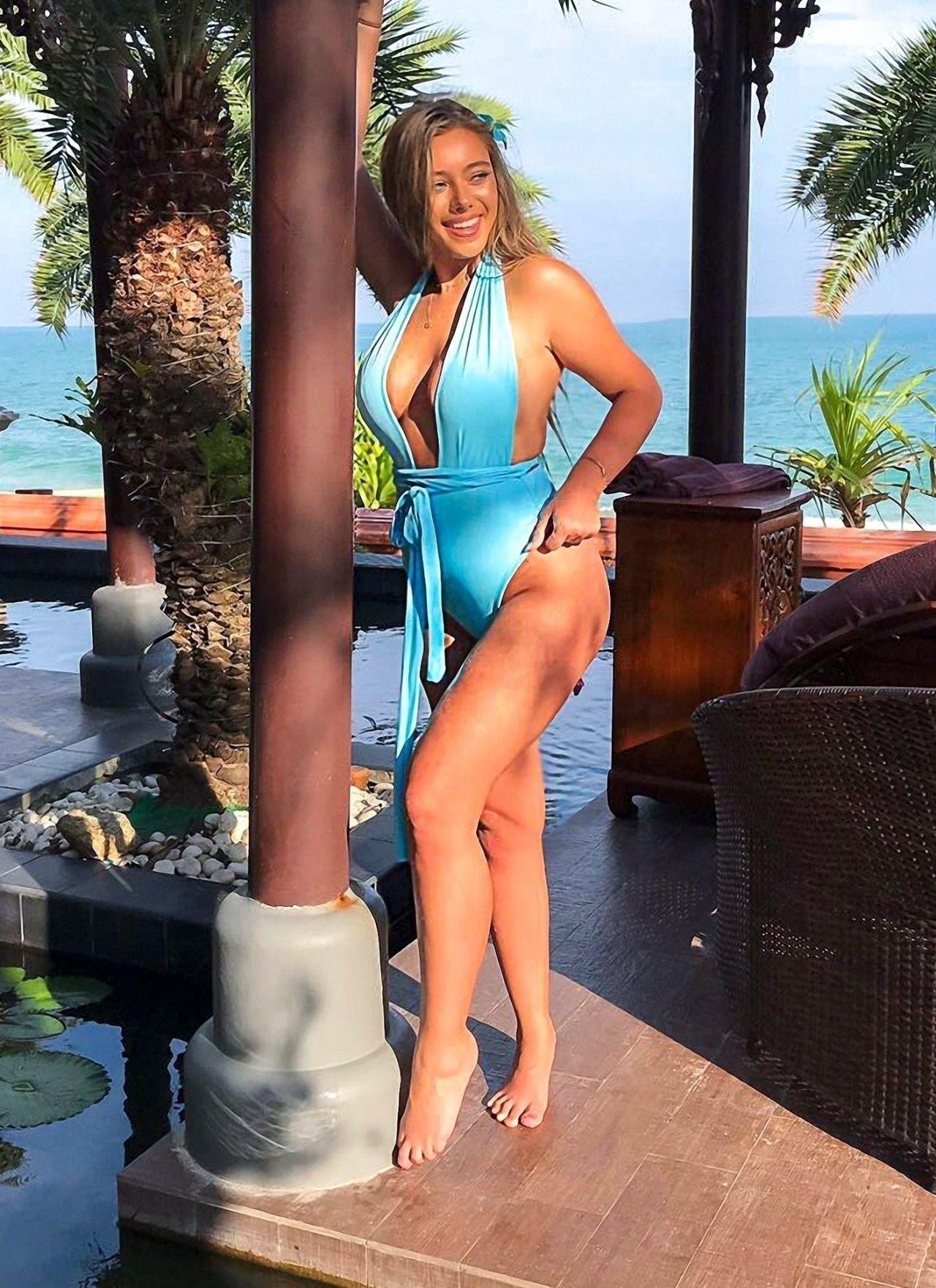 Bikini Tyne-Lexy Clarson nudes (25 images) Is a cute, YouTube, braless