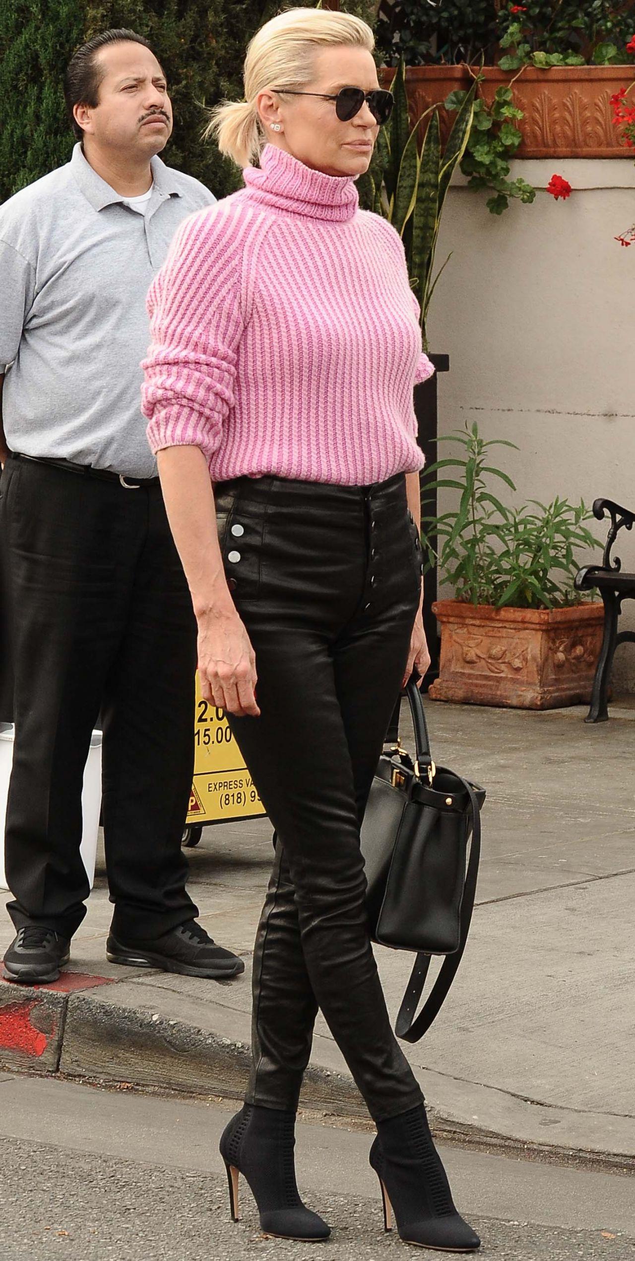 Yolanda Hadid Street Fashion Il Pistaio In Beverly Hills