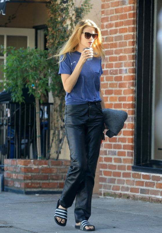 Abbey Lee Kershaw - Grabbing Some Coffee at Alfred