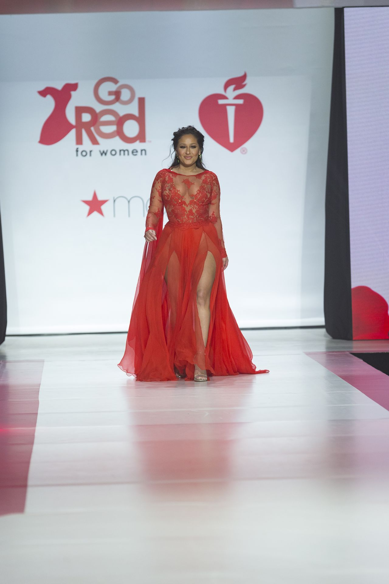 File:Tamara Taylor wearing Mark Belford – Heart and Stroke ...