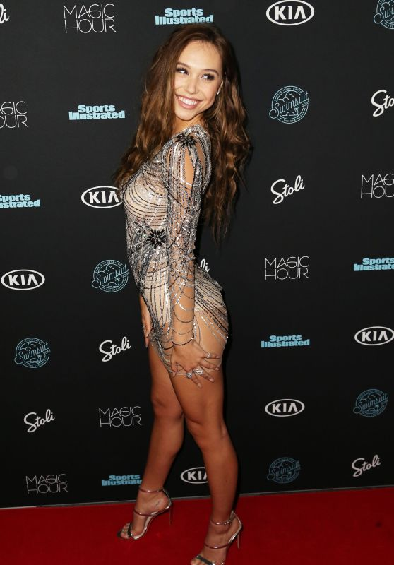 Alexis Ren – 2018 Sports Illustrated Swimsuit Issue Launch