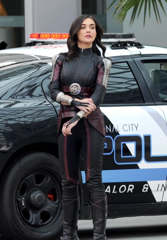 """Amy Jackson - Filming """"Supergirl"""" in Vancouver 02/13/2018"""