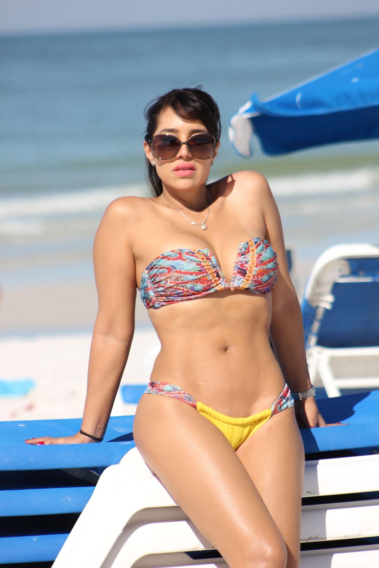Andrea Calle in Bikini on the beach in Miami Pic 9 of 35