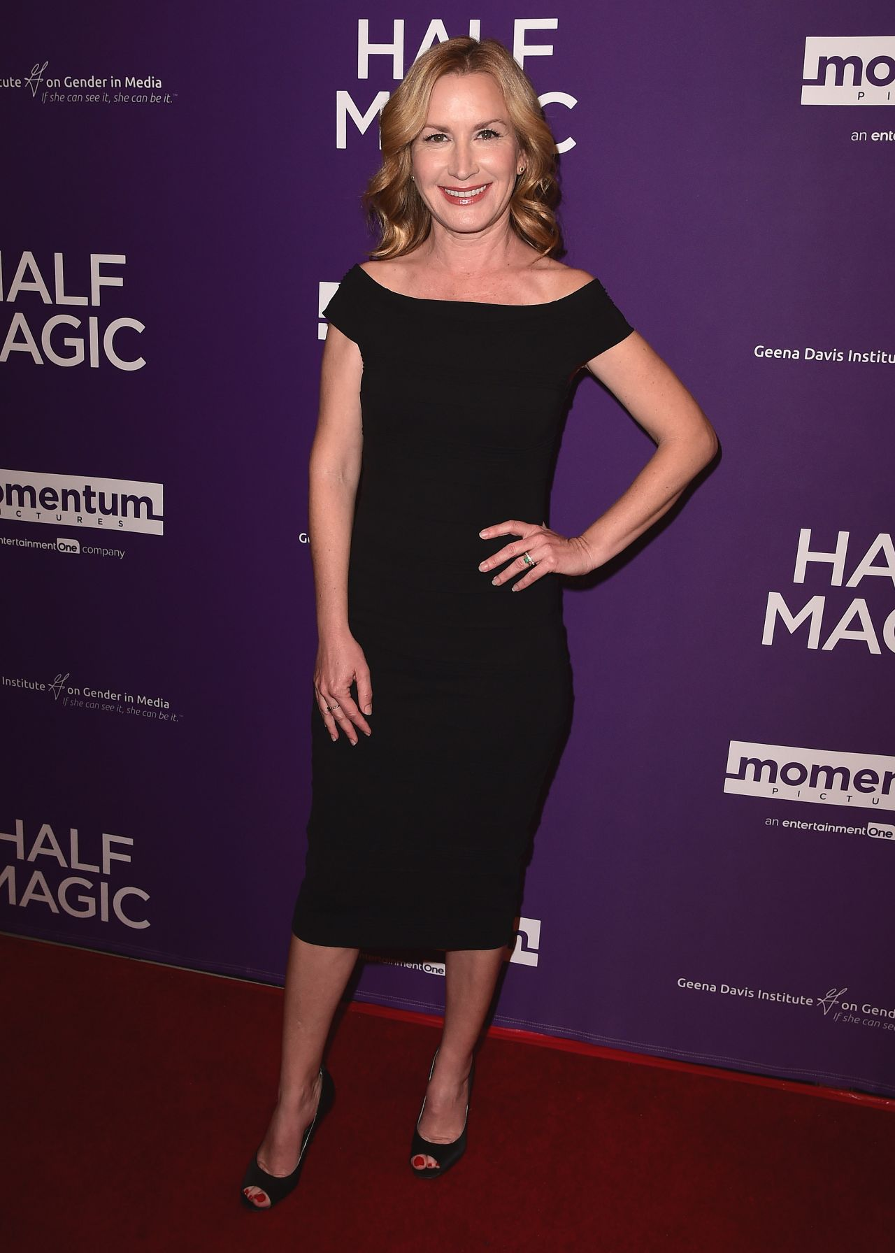 100 Pictures of Angela Kinsey Half Magic