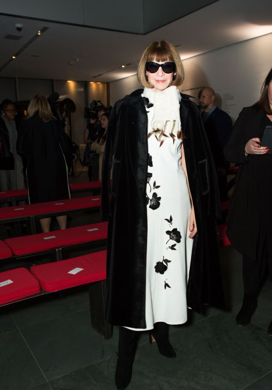 Anna Wintour – Carolina Herrera Show Fall Winter 2018 at NYFW