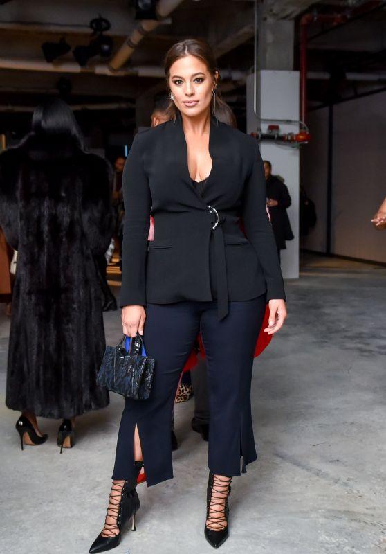 Ashley Graham – Cushnie Et Ochs Fashion Show in NYC 02/09/2018