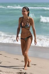 Bethenny Frankel in a Snakeskin Bikini on the Beach in Miami 02/21/2018