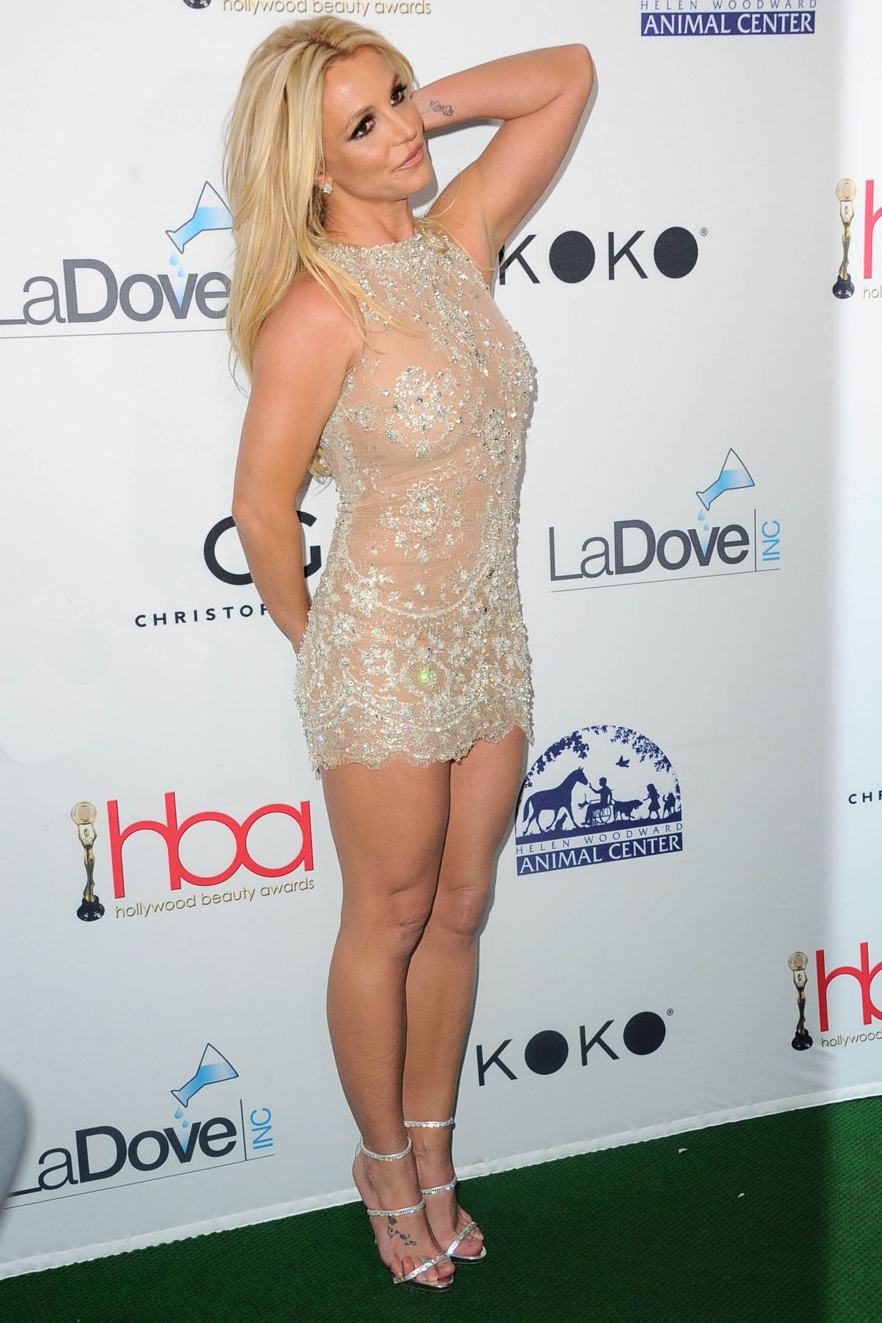 britney-spears-2018-hollywood-beauty-awards-in-la-1.jpg