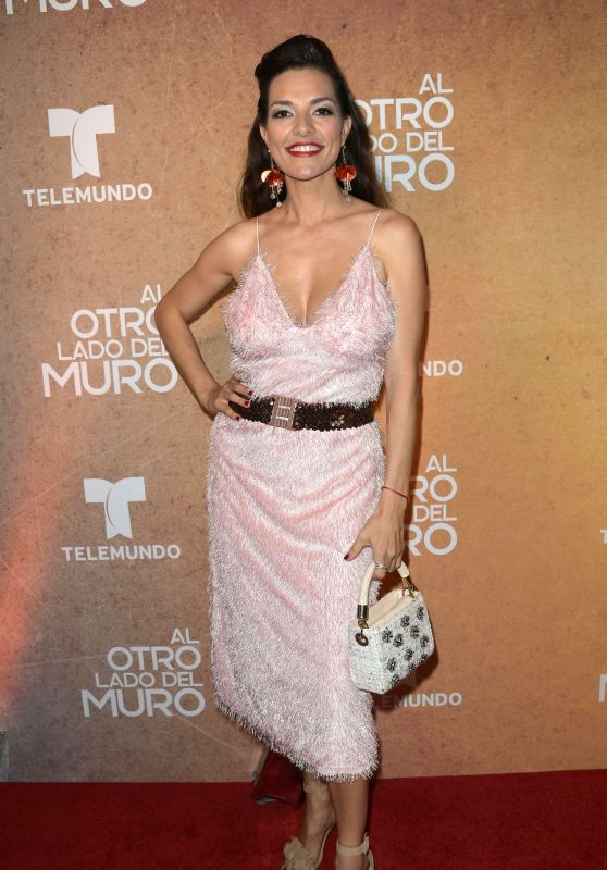 """Candela Ferro – """"Al Otro Lado del Muro"""" Telenova Screening in Miami"""