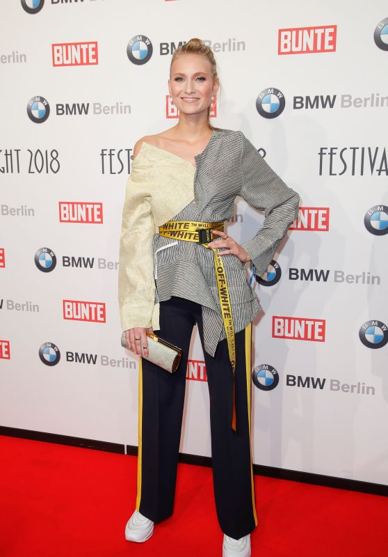 Carolin Niemczyk – BUNTE & BMW Host Festival Night, Berlinale 2018