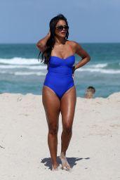 Claudia Jordan in a Blue Swimsuit on the Beach in Miami