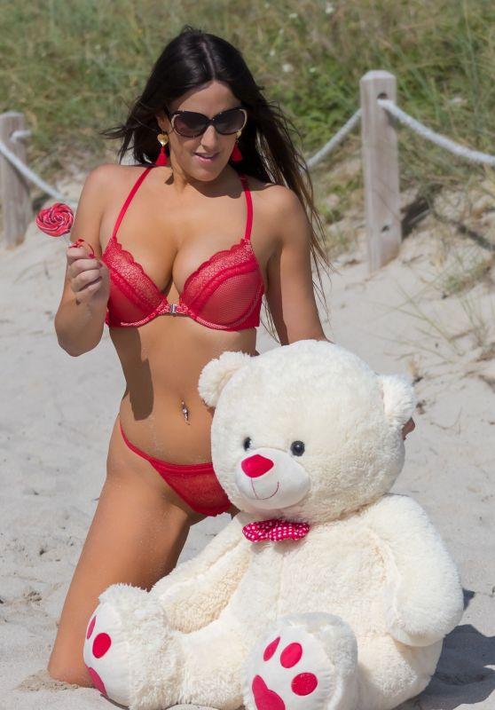 Claudia Romani in Bikini - Valentine